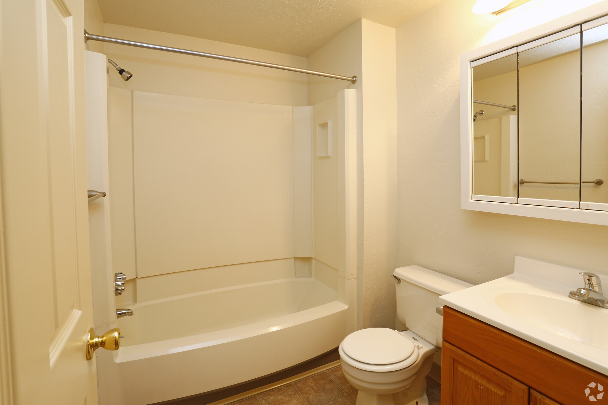 Remarkable 22 Holiday Park Apartments And Townhomes Pittsburgh Pa 2Br Interior Design Ideas Clesiryabchikinfo